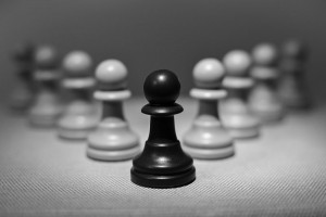 Great Leaders Motivate Employees to Be Champions - inWealthandHealth - Chess Pawns